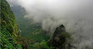 top 10 places to visit near pune