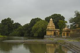 Historical places nearby Pune-Menawali