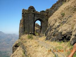 Historical places around Pune - Vadhu